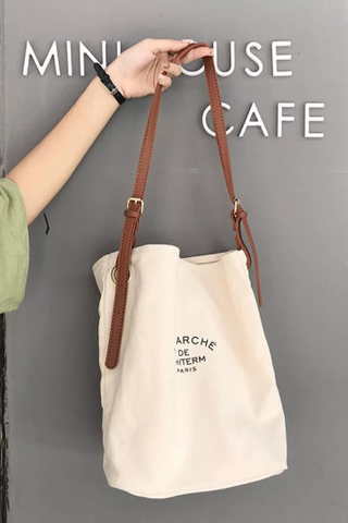 (BACK-ORDER) CANVAS BOLT BAG