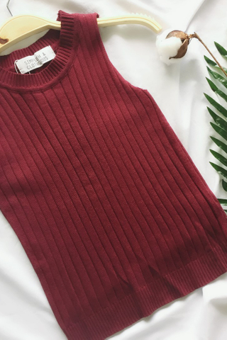 KNITTING SLEEVELESS TOP