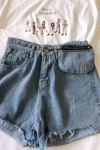 Frayed Hem Denim Shorts with Bag