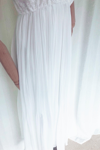Embroidery V-neck Flare Dress