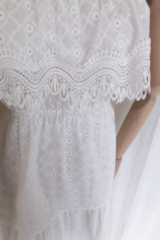 Off Shoulder Embroidery Lace Dress